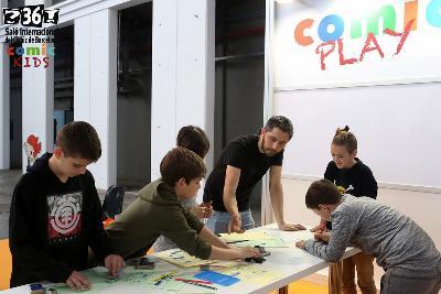 COMIC PLAY